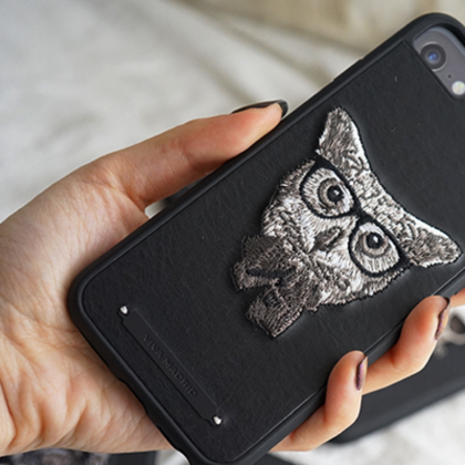 Phone case Black Owl embroidery ani..